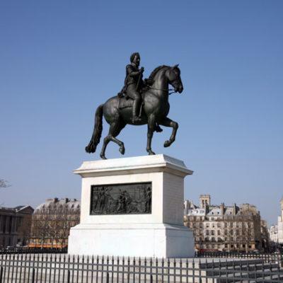 Statue-Henri-IV-Pont-Neuf