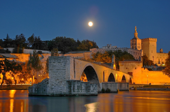 Avignon-Saint-Bénézet-bridge-legend-provence