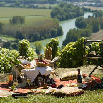 Repas-Produits-Terroir-Vin-Champagne-France