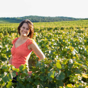 Sonia-Bourgogne-Guide-Chauffeur-Oenology-Expert