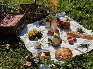 giverny picnic - passages secrets private tour