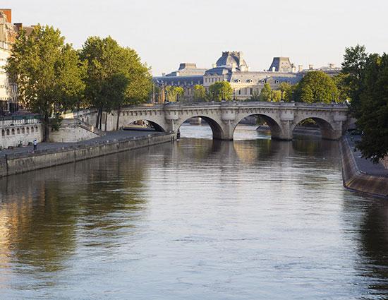 Pont à PARIS - Passage Secret