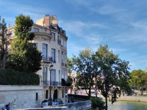 Paris Iles Saint-Louis with Passages Secrets